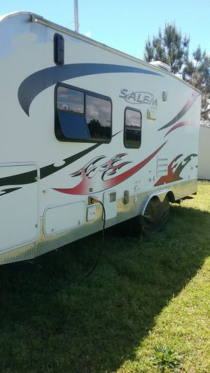 2009 27ft Forest River Toy Hauler PRICE NEGOTIABLE for Sale in Zebulon, NC