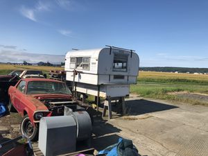 Alaskan camper for Sale in Mount Vernon, WA