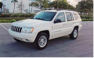 Beautiful 2004 Jeep Grand Cherokee 4WDWheels for Sale in Washington, DC