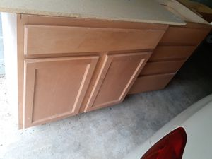 9 kitchen cabinets for Sale in Garrison, MD