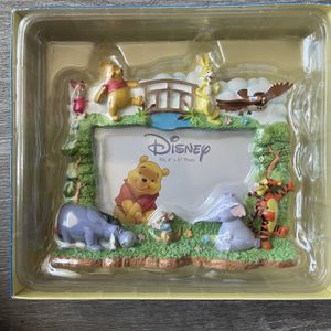 Disney picture frame 4 x 6 by Winnie the Pooh for Sale in Rolling Hills Estates, CA