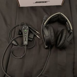 Bose A20 Aviation Headset for Sale in Miami, FL