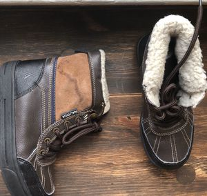 KIDS. TODDLER SNOW BOOTS . Náutica. Size 2. Color Brown for Sale in New York, NY