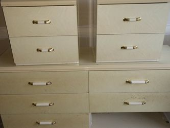 Dresser And Night Stands for Sale in South Hill,  WA