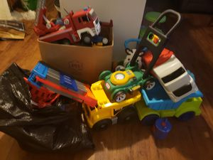 A lot of toys. All x 45 dlls. They are BIG. for Sale in Houston, TX
