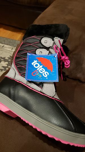 Totes boots girls 5 for Sale in South Setauket, NY