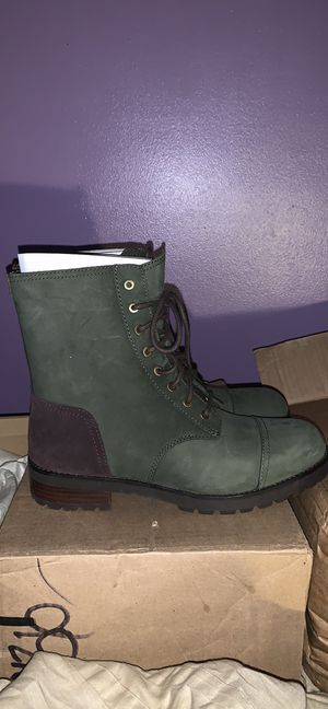 Brand new Ugg Boots with box . Just in time for Fall and Winter .Women size 10 for Sale in Atlanta, GA