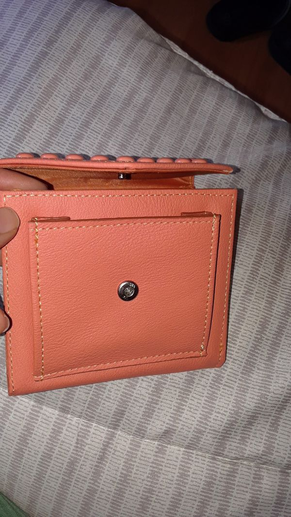 Foldable wallet never used it $5 firm