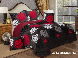 5 pc borrego comforter set new in 🚚 full/Queen 30 king/Cali king 40 for Sale in Dallas, TX
