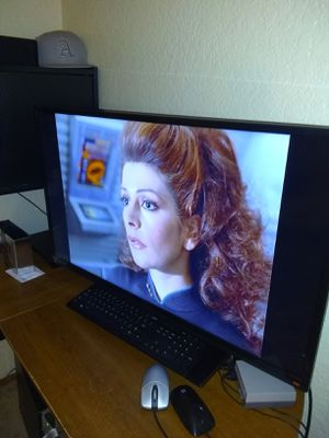 40 inch LED TV TCL for Sale in Hayward, CA