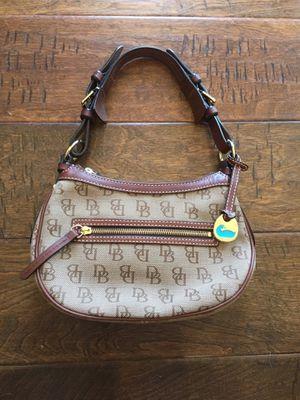 Dooney & Bourke handbag for Sale in West Richland, WA