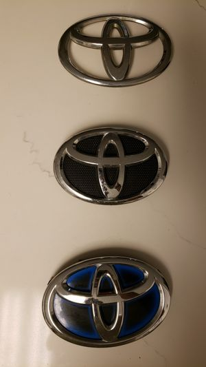 TOYOTA LOGO ONE OF EACH for Sale in Coral Gables, FL