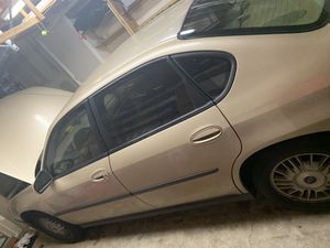 2004 CHEVY IMPALA (gold) for Sale in Vancouver, WA