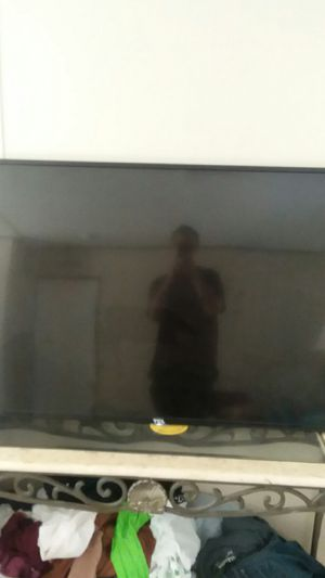 TCL Roku tv 65 inch for Sale in Garner, NC