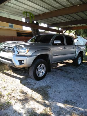 Toyota tacoma 2015 for Sale in Haines City, FL