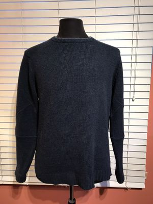 Excellent condition Patagonia Lambs Wool Sweater - Medium for Sale in La Palma, CA