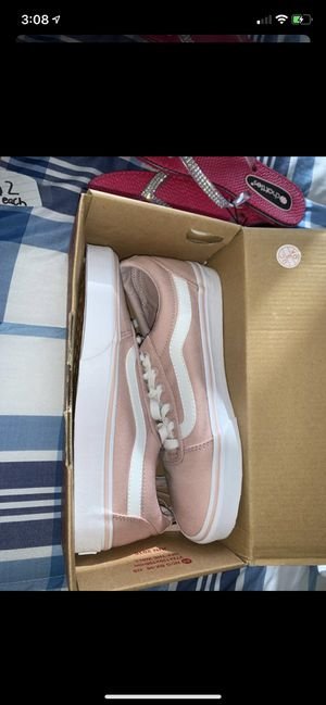 Women's vans size 7.0 brand new for Sale in Davenport, FL