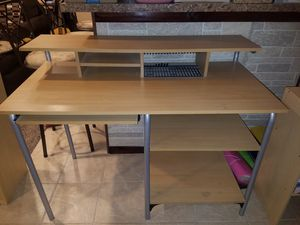 Desk for Sale in Wheeling, IL