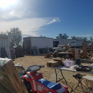 yard/lot sale estate sale storage contents /containers(Highland/san Bernardino) for Sale in Highland, CA
