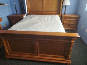 Queen bed dresser 2 end tables box spring and mattress complete for Sale in Lakeland, FL