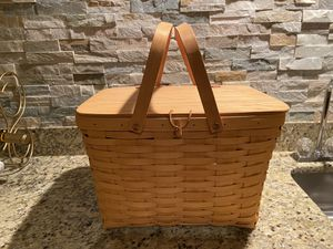 Large Longaberger Picnic Basket with tray for Sale in Chesterfield, MO