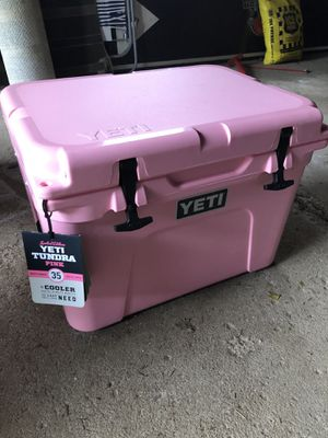 Pink yeti cooler - 35 quart for Sale in Cleveland, OH