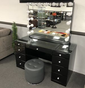 Hollywood Vanity Mirror w/ Desk on SALE 🔥 for Sale in Fresno, CA