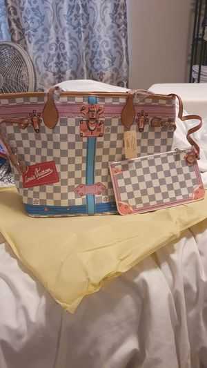 Checkered Tote Bag. With Wristlet. for Sale in Mesa, AZ