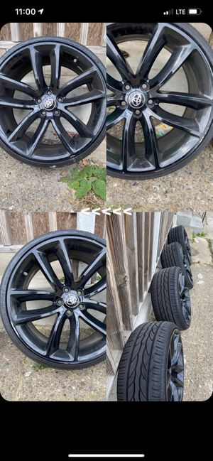 Dodge Charger Oem Scat pack wheels. for Sale in Camden, NJ