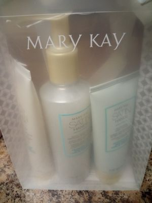 Satin Hand Pampering Set for Sale in Charlotte, NC