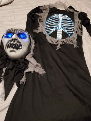 Light up Skeleton/Reaper Halloween costume size 8-10 Boys for Sale in Naples, FL