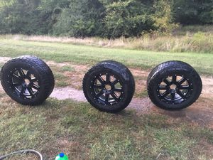Moto metal: 275/35r20 for Sale in Rice, VA