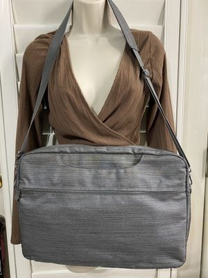 GREY LAPTOP BAG WITH STRAP for Sale in Stockton, CA