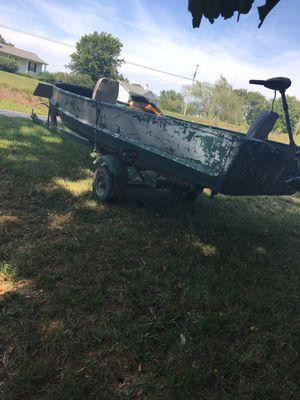 John boat for Sale in Charlotte, TN