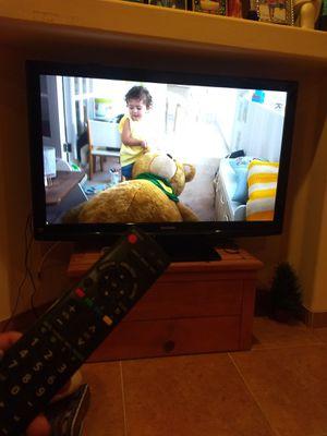 Viera Panasonic plasma tv 50 inches with remote control for Sale in Phoenix, AZ