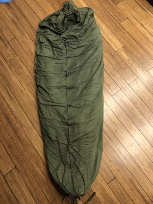 Vintage military cold weather sleeping bag for Sale in Lakewood, OH