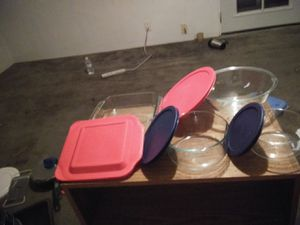 (4) pyrex bowls w/lids for Sale in Fresno, CA