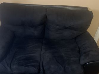 Mall Black Couch Nothing Wrong with It for Sale in Cleveland,  OH
