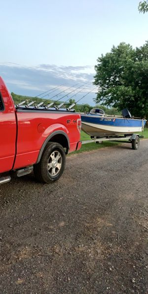 16 foot deep v with 50hp Mercury for Sale in Lambertville, NJ
