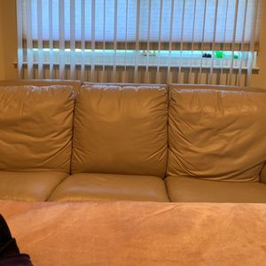 Leather Couch for Sale in Massapequa Park, NY