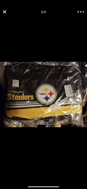 Pittsburgh Steelers duffle bag for Sale in Indian Orchard, MA