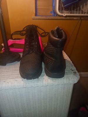 Timberland. Black work boots for Sale in Columbus, OH