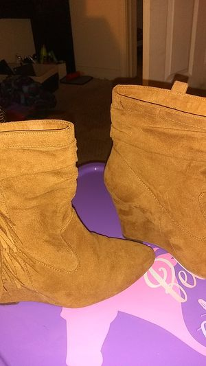 Just Fab sued wedges/drk tan/size7.5 for Sale in Lexington, NC