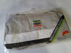 NEW / UNOPENED DUFFLE BAG for Sale in Manteca, CA