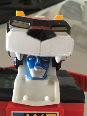 Vintage Voltron Battle Damaged Action Figure Toy Collection for Sale in El Paso, TX