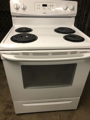 White Kenmore electric stove for Sale in Providence, RI