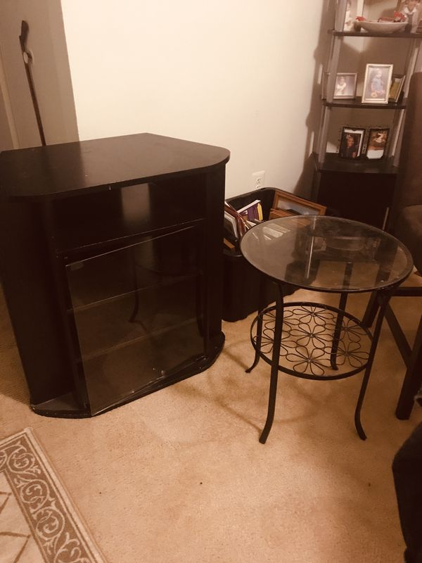 Deep shelve 4, entertainment center and free small table