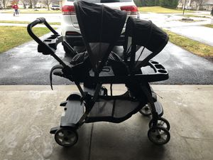Double stroller for Sale in Coraopolis, PA