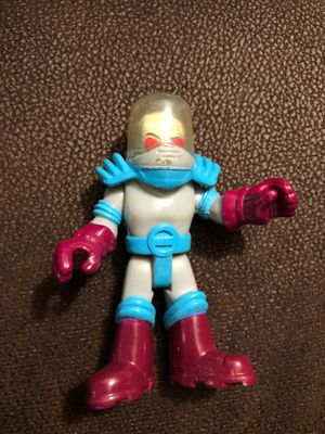 """MR. FREEZE - BATMAN DC COMICS - FISHER-PRICE IMAGINEXT 3"""" ACTION FIGURE Loose for Sale in Providence, RI"""