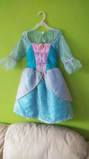 Girl Barbie costume size 4-6x for Sale in West Palm Beach, FL